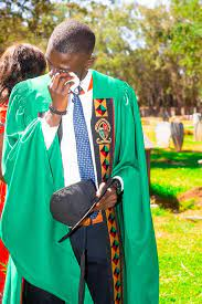 I came to say thank you – Young man celebrates university graduation at his dad's grave