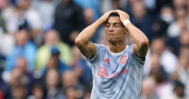 Ronaldo blamed for Fernandes' penalty miss in United defeat to Aston Villa